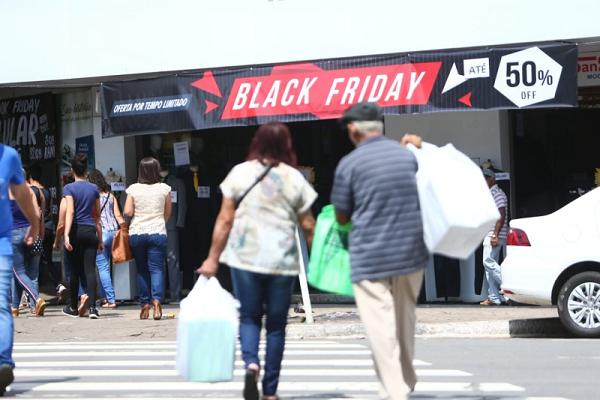 Pesquisa mostra alta da intenção de compra na Black Friday