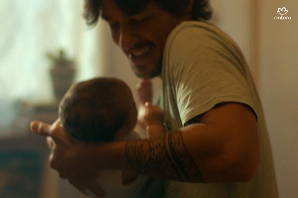Dia dos Pais: Natura convida homens a expressarem seus sentimentos