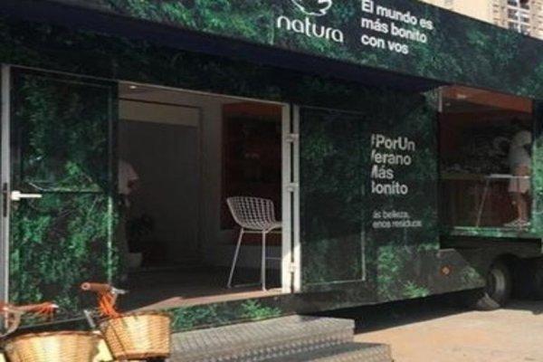Natura percorre litoral argentino com loja itinerante