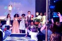 Avlon celebra 20 anos no Brasil
