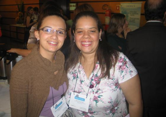 Bluette Sandila (Univ. São Camilo) e Bruna Eduarda de Oliveira (HCFMUSP)